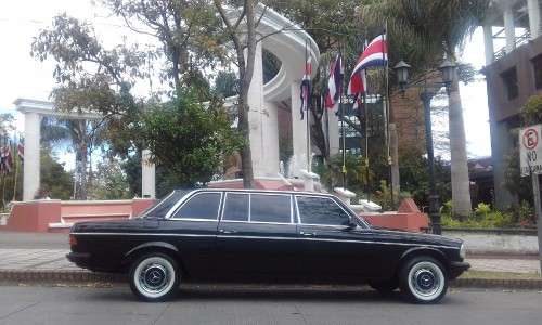 Tribunal-Supremo-de-Elecciones-Republica-de-Costa-Rica-MERCEDES-300D-LANG-LIMOUSINE.jpg