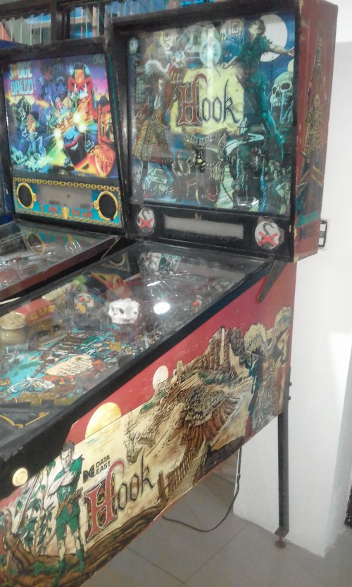1992-DATA-EAST-HOOK-PINBALL-MACHINE-COSTA-RICA.jpg