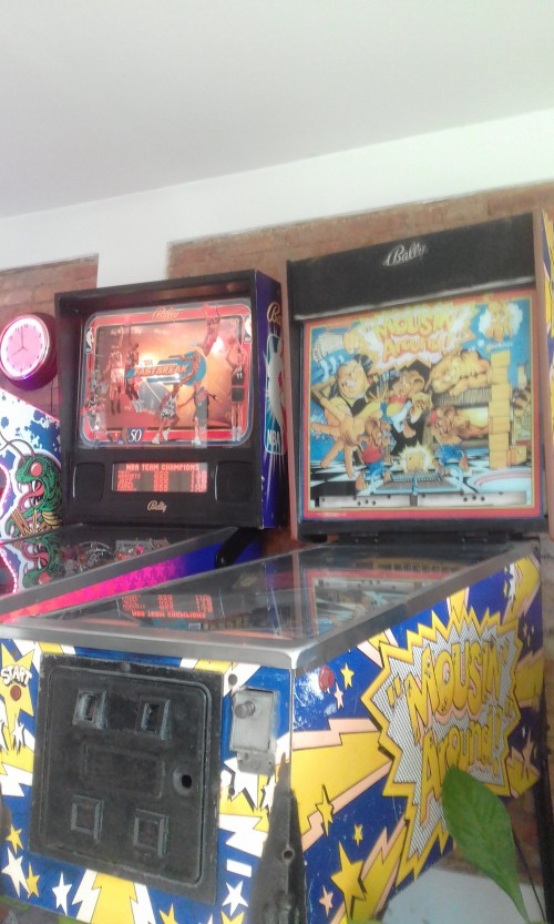 2-PINBALL-MACHINES-AND-CENTIPEDE-ARCADE-IN-COSTA-RICA.jpg