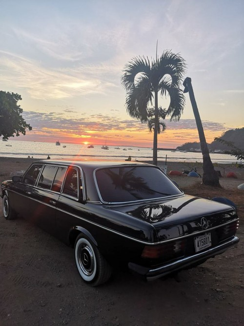 BEACH-SUNSET-LIMOUSINE-CENTRAL-AMERICA.jpg