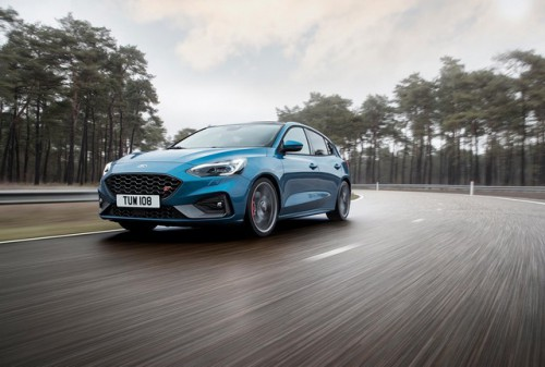 2019_FORD_FOCUS_ST_07-LOW.jpg