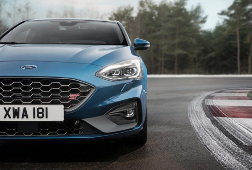 2019_FORD_FOCUS_ST_10-LOW.jpg