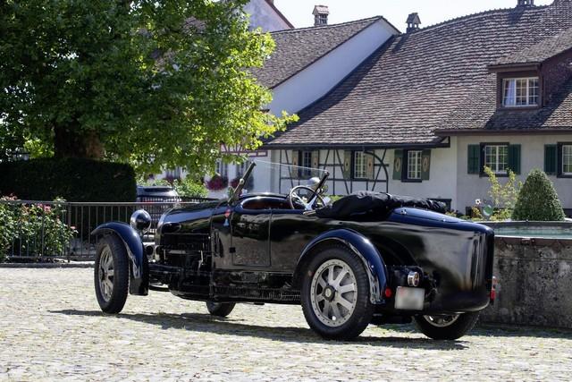 Service client Bugatti - Sur la magie de la marque 07_guy-caquelin_type-43-grand-sport