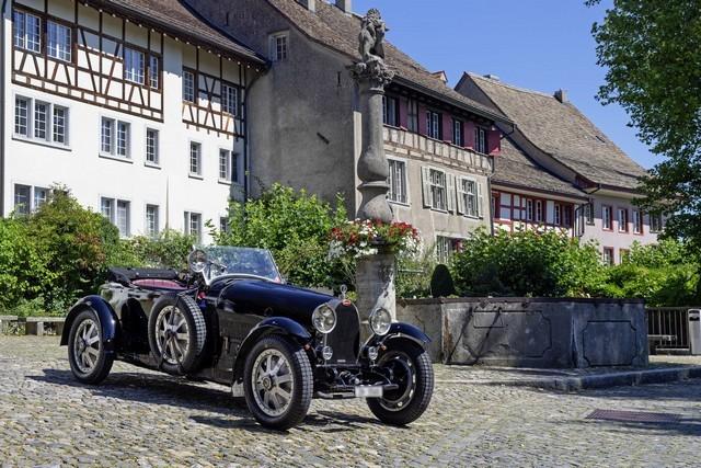 Service client Bugatti - Sur la magie de la marque 08_guy-caquelin_type-43-grand-sport